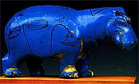 Figur eines stehenden Nilpferdes, 17. Dynastie, Theben-West, Dra Abu el-Nega, Blaue Fayence